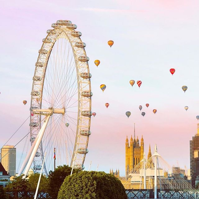 Today: missing London like crazy and exceedingly grateful for this beautiful shot of the London Eye from @oliverhl.⁣ ⁣ What place are you missing today?