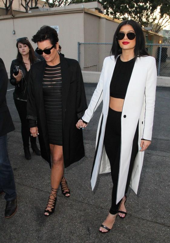 Kylie-Jenner-Celebrities-Pose-Premiere-New-kls-kimora-lee-simmons-3.jpg
