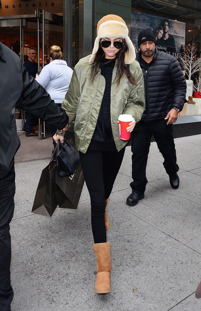 the-only-winter-boots-according-to-celebrities-1577459-1448927272.700x0c.jpg