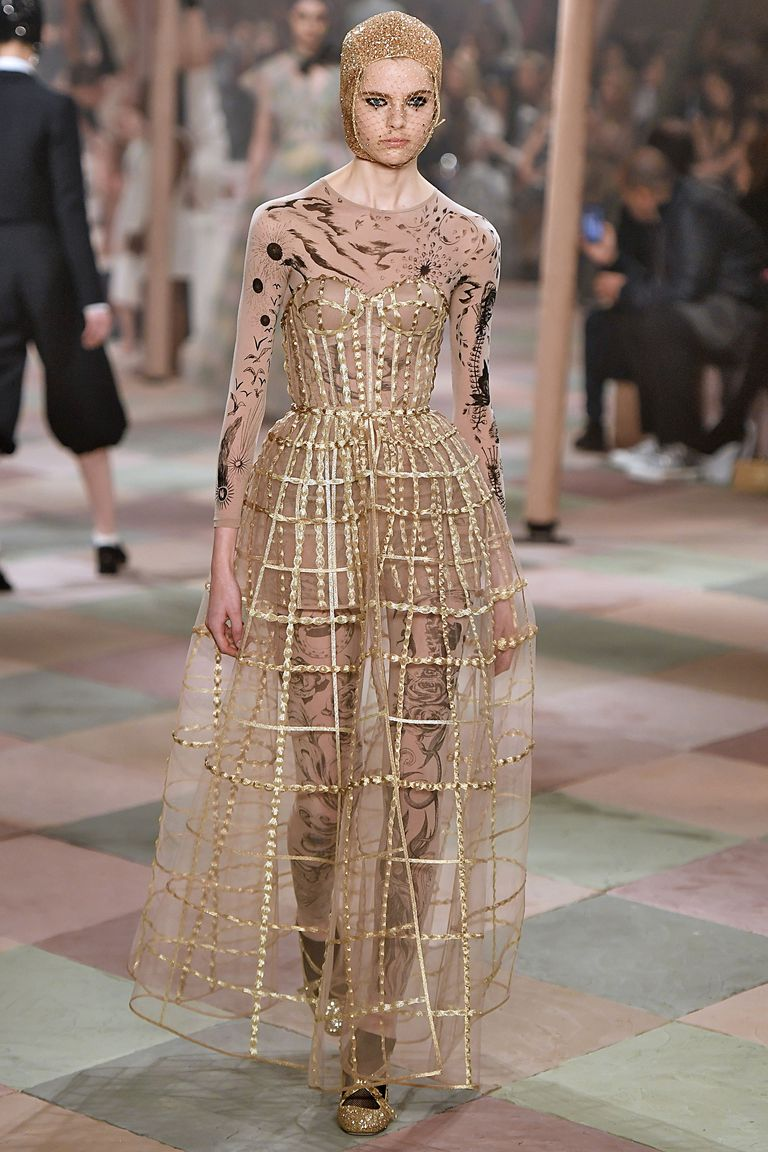 hbz-ss2019-couture-dior-13-1548192826.jpg