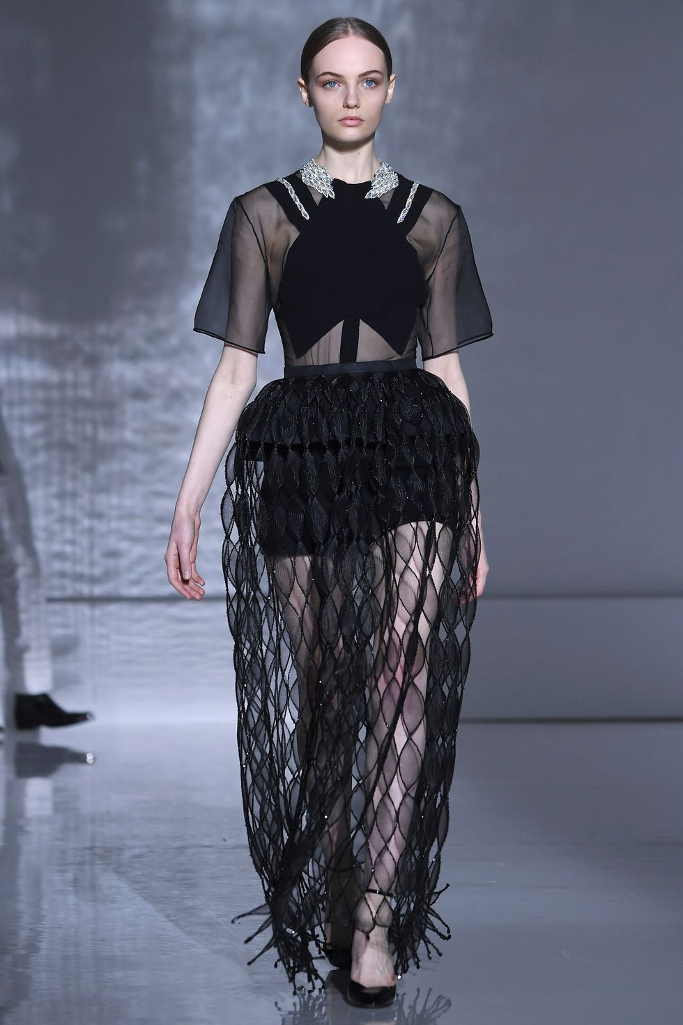 hbz-ss2019-couture-givenchy-02-1548210204.jpg