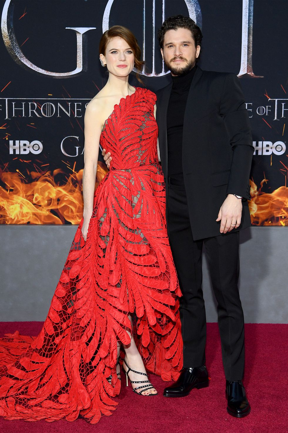 hbz-got-premiere-rose-leslie-and-kit-harington1-1554334448.jpg