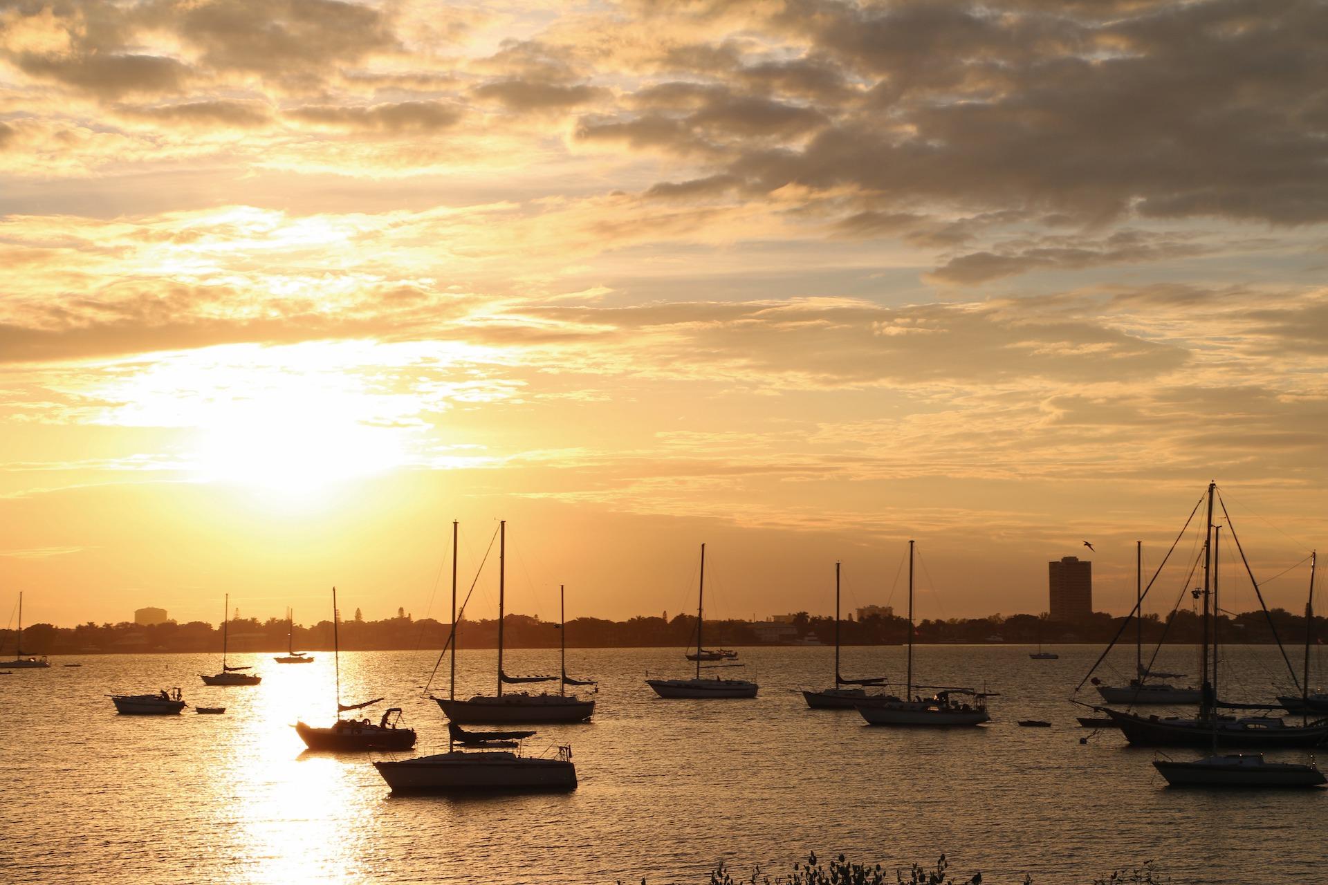 Sarasota Bay with boats in harbor.jpg