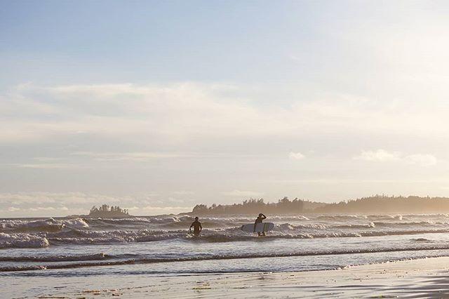 Evening surf.  #photography #photo #photooftheday #instapic #instagood #picoftheday #landscapephotography #landscape #beautifulbrithishcolumbia #sea #seaside #ocean #oceanview #nature #explorebc #destinationbc #canada #westcoast #pic #surf #surfing #tofino #waves #pacificocean #hellobc #beach #hellobc