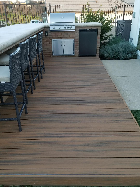 1 patio and bbq.jpeg
