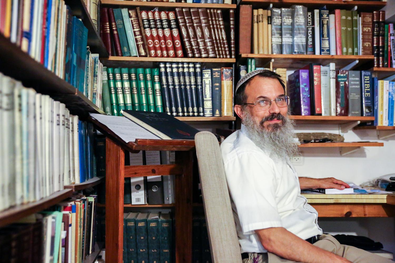 saskia-keeley-photography-rabbi-hanan-helsinger-roots-ngo-testimonial.jpg