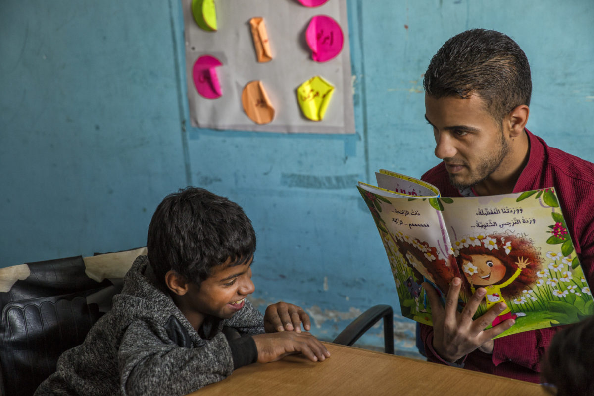 A reading session in Mafraq, Jordan. Photo by Saskia Keeley / We Love Reading