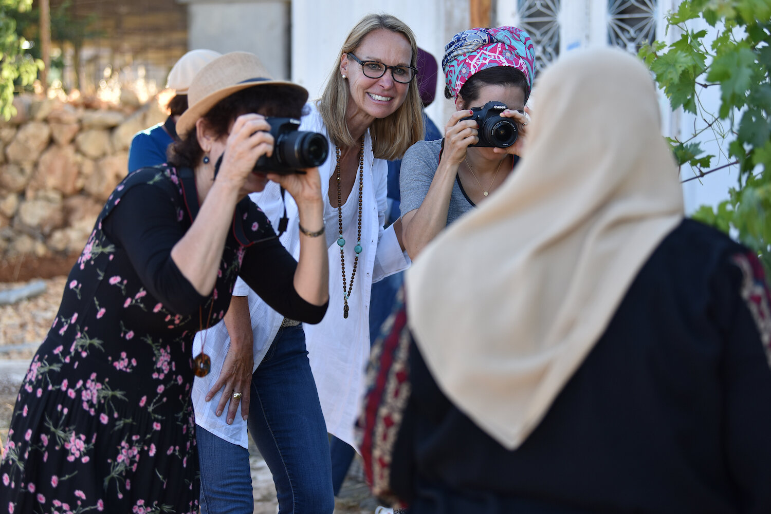 saskia-keeley-photography-humanitarian-photojournalism-documentarian-israel-and-palestine-peace-beyond-sides-towards-reconciliation-roots-non-violence-workshops-DSC_4298.jpg