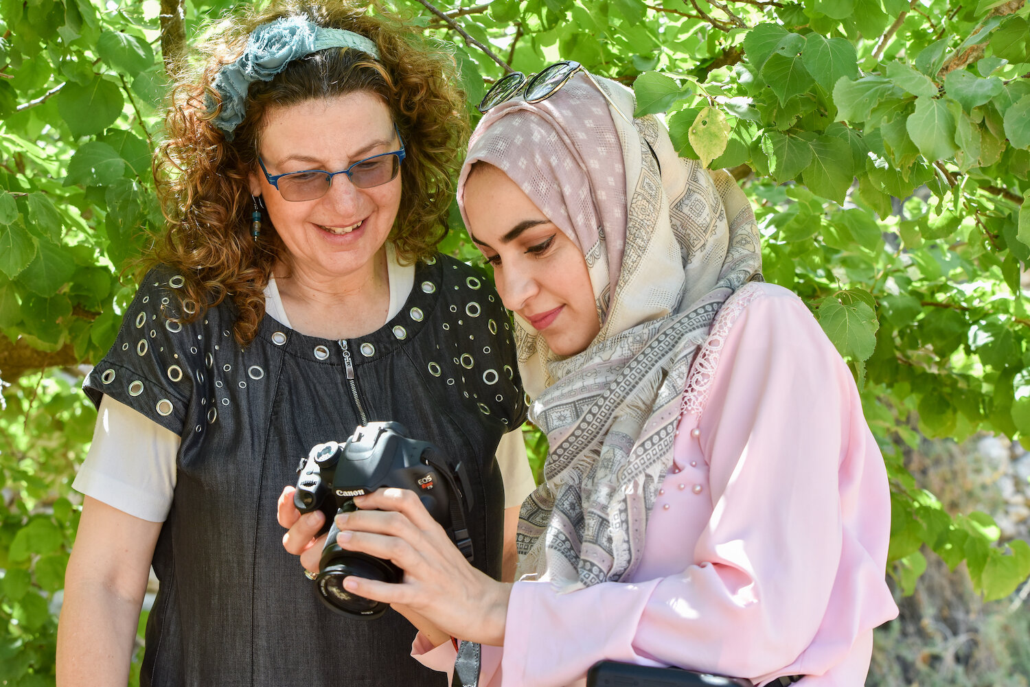 saskia-keeley-photography-humanitarian-photojournalism-documentarian-israel-and-palestine-peace-beyond-sides-towards-reconciliation-roots-non-violence-workshops-8.jpg