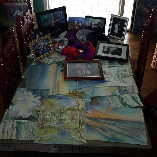 Today we have a celebration of life for my mom in Denton, TX. Friends, reflection, and lots of watercolor! #watercolor
