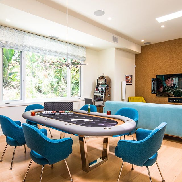 A great entertainment room for a hot day or just to enjoy the indoor space. Who wants to play some #texasholdempoker or just relax and enjoy a #movie or some #sports #swipeleft⬅️⬅️⬅️ • • • Build by @gtconstruction • • • • #mancave #sundayfunday #midcenturymodern #gtc #losangelescontractor #designbuild #contractor  Cabinetry & Millwork | @gtconstruction