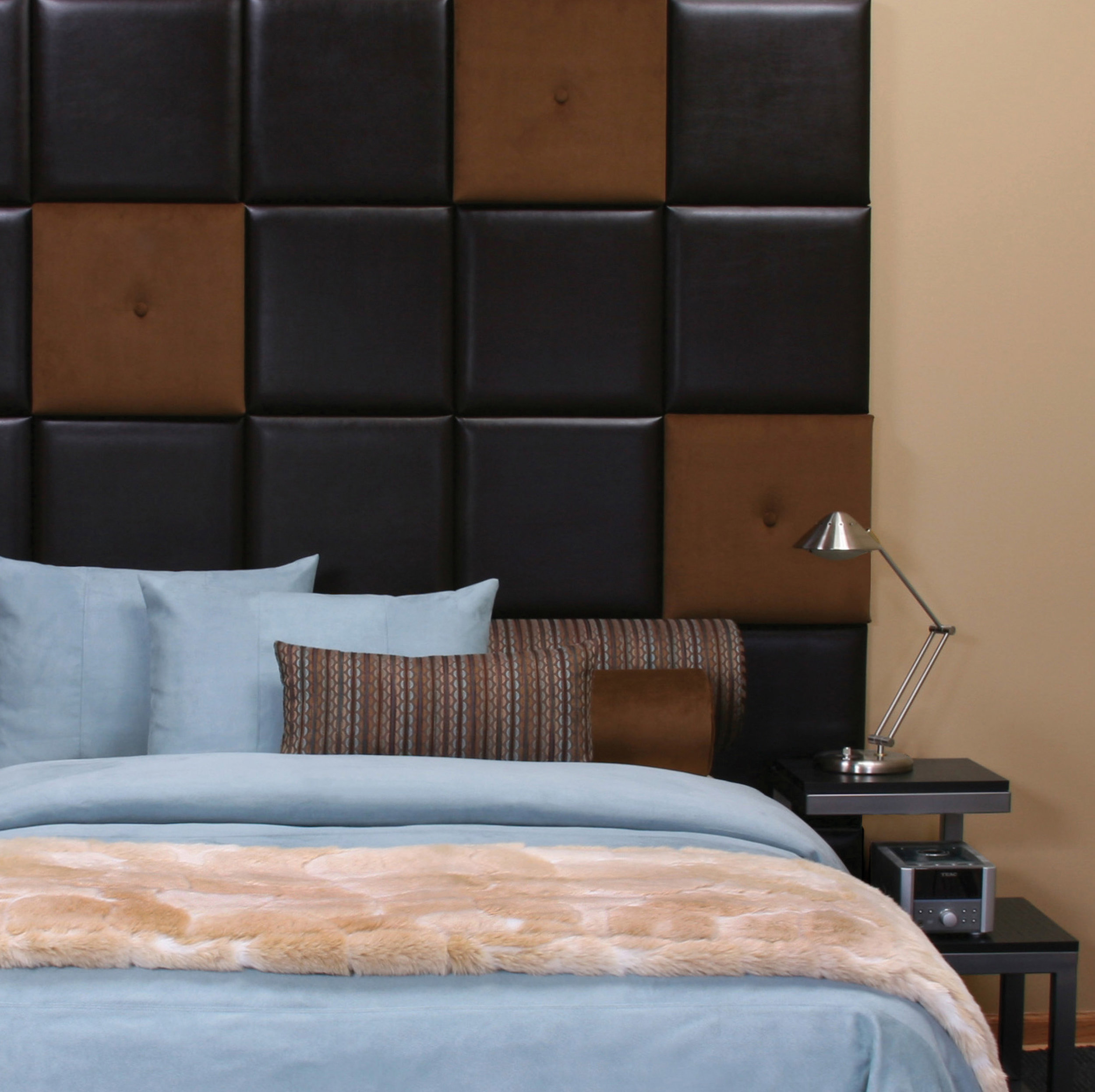 Wall Pixels as entire wall and headboard