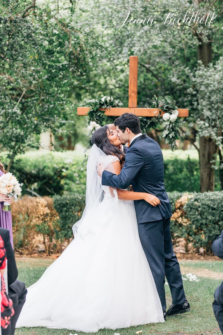 Orcutt Ranch Wedding Bride and Groom Kissing | Forever Taeken Weddings