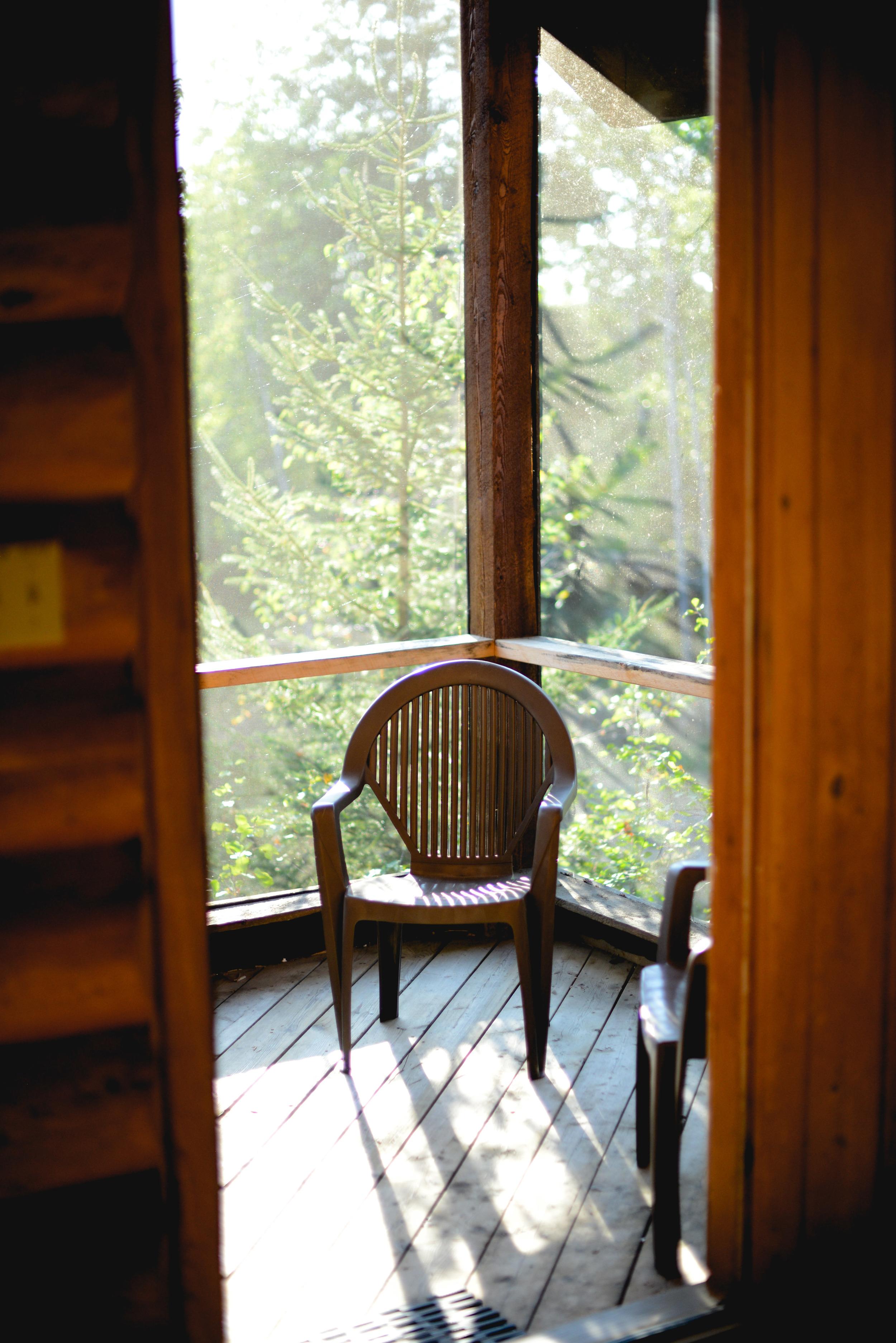 Log Cabin Screen Porch Getaway