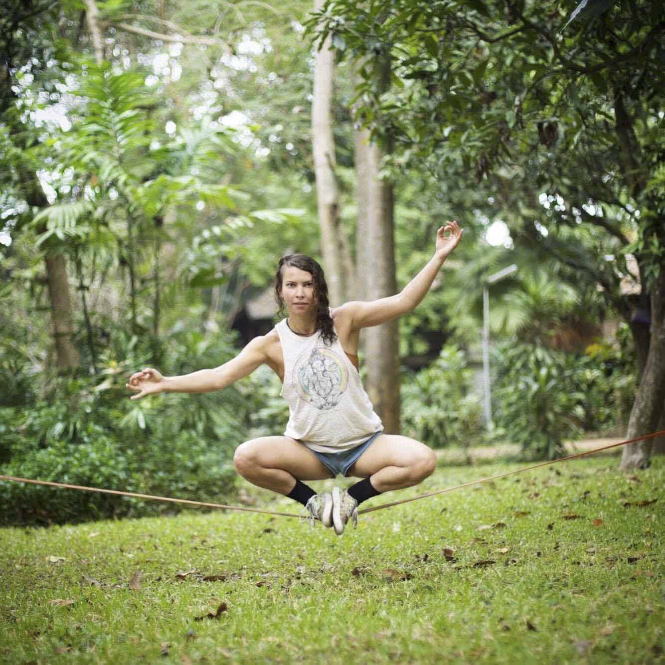 ALEXANDRA REYNALDO  Yoga & Acroyoga Instructor