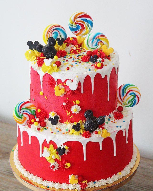 M-I-C-K-E-Y! 🎶 . . . #mickeymousecake #disney #satx #sanantonio #pastryart #disneyfood #igsanantonio #safoodie #safood #safoodpics #sanantoniotx #feedfeed #f52grams #fromscratch #dessert #nothingisordinary #eater #buzzfeedfood #210 #mickeymouse #desserttable #cakedecorating #delish #cake #bakemehappy #geniuskitchen