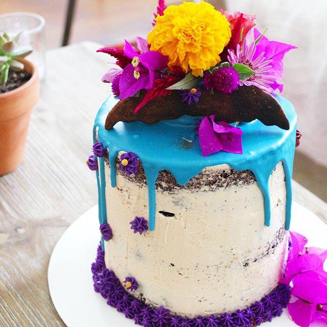 💙 DM or link in bio to order. . . . #cake #eeeeeats #satx #sanantonio #pastryart #igsanantonio #safoodie #safood #safoodpics #sanantoniotx #feedfeed #f52grams #fromscratch #dessert #nothingisordinary #eater #buzzfeedfood #210 #unicorn #desserttable #cakedecorating #delish #bakemehappy #geniuskitchen