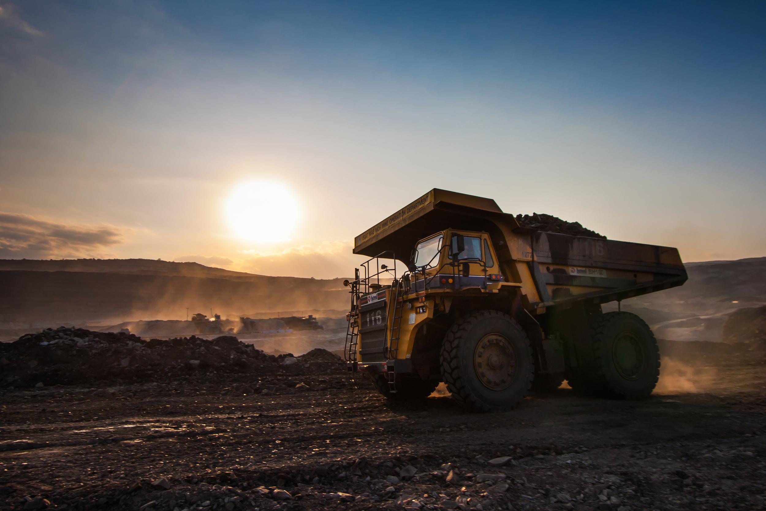 bigstock-Coal-preparation-Plant-Big-Ye-90725906.jpg