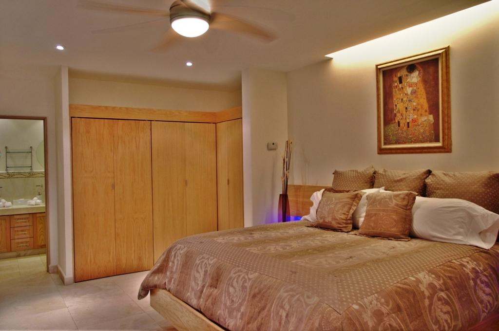 One Medano Beach 2A. 1 bedroom condo long term or short term rental (11).JPG