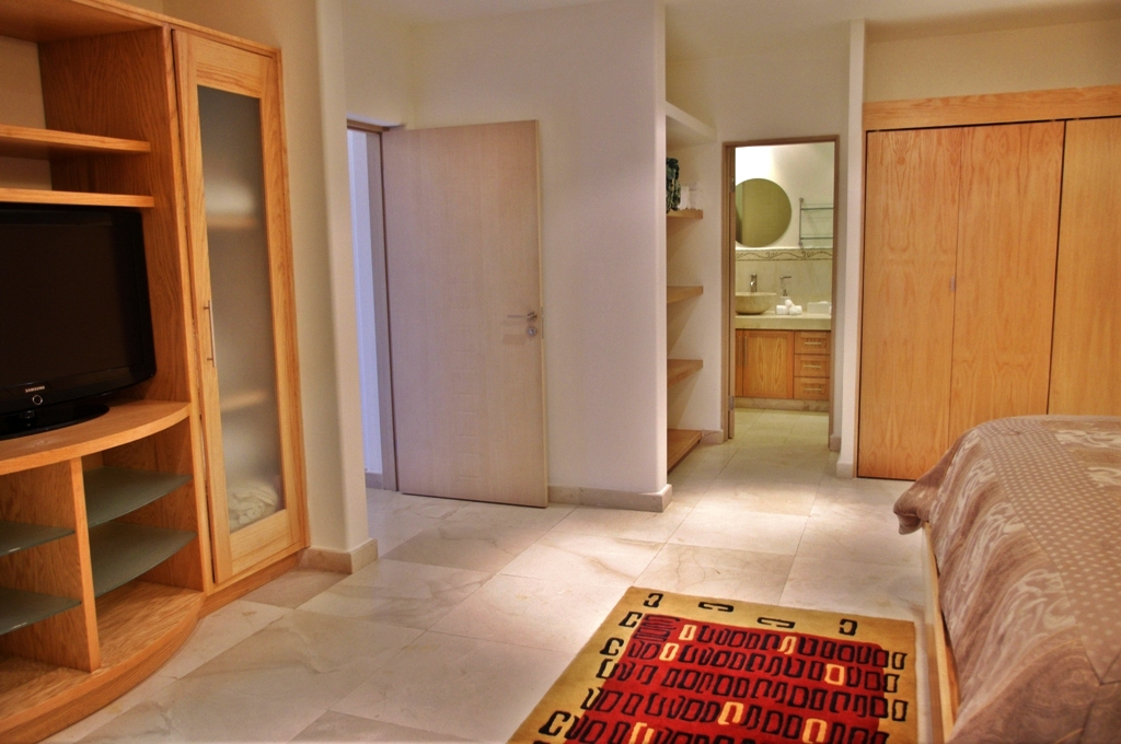One Medano Beach 2A. 1 bedroom condo long term or short term rental (12).JPG