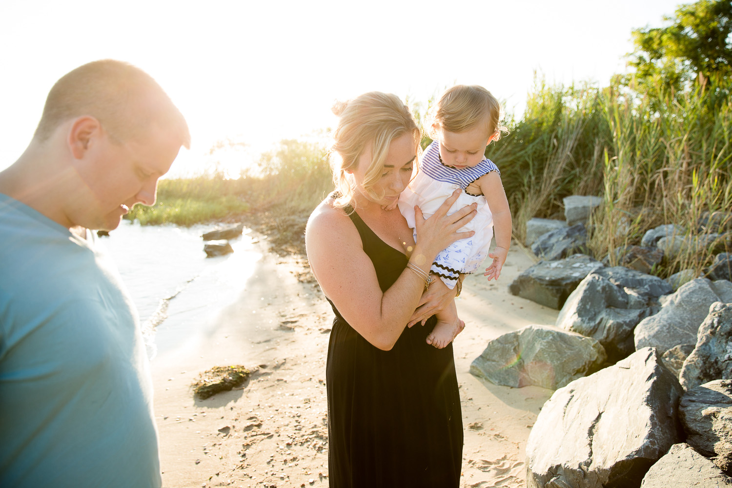 family-pictures-rock-hall-beach.jpg