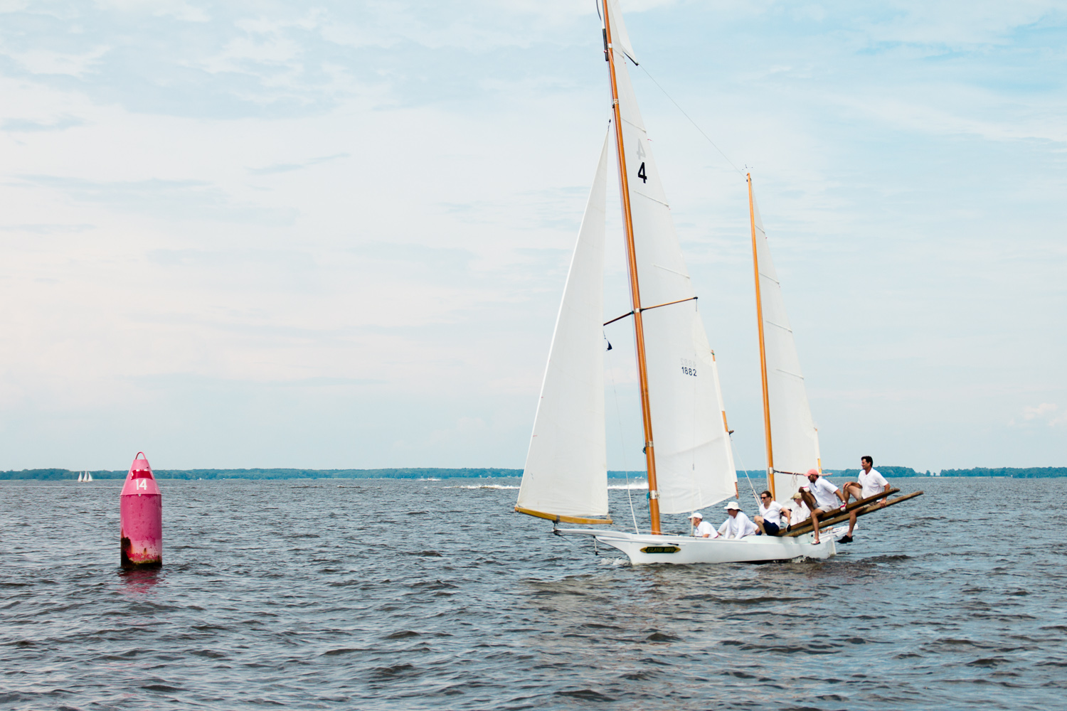 Log-Canoe-Race-at-Rock-Hall-Yacht-Club-July-2016-ss-27.jpg