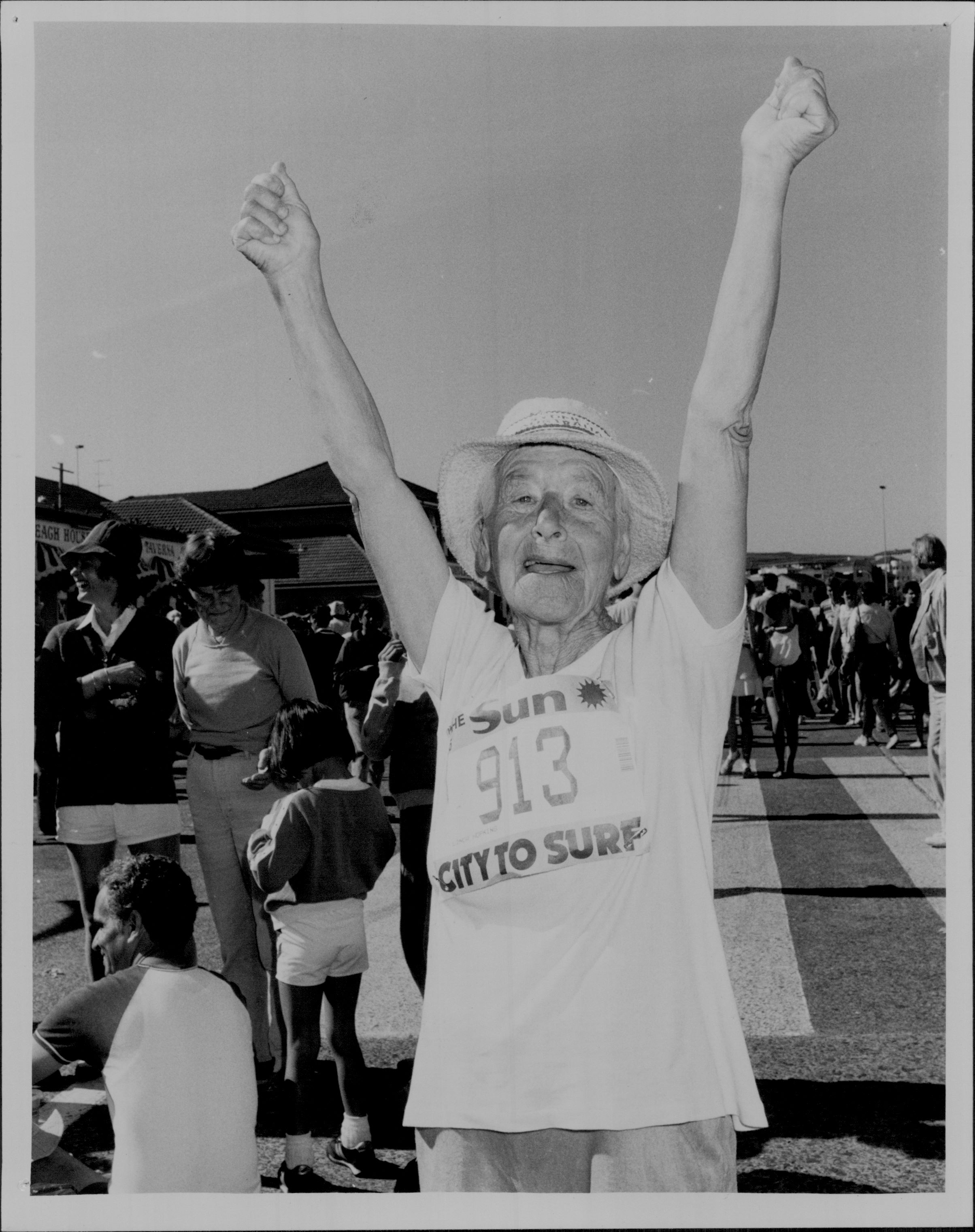 Young at heart, runner 913 conquers City2Surf in 1986.
