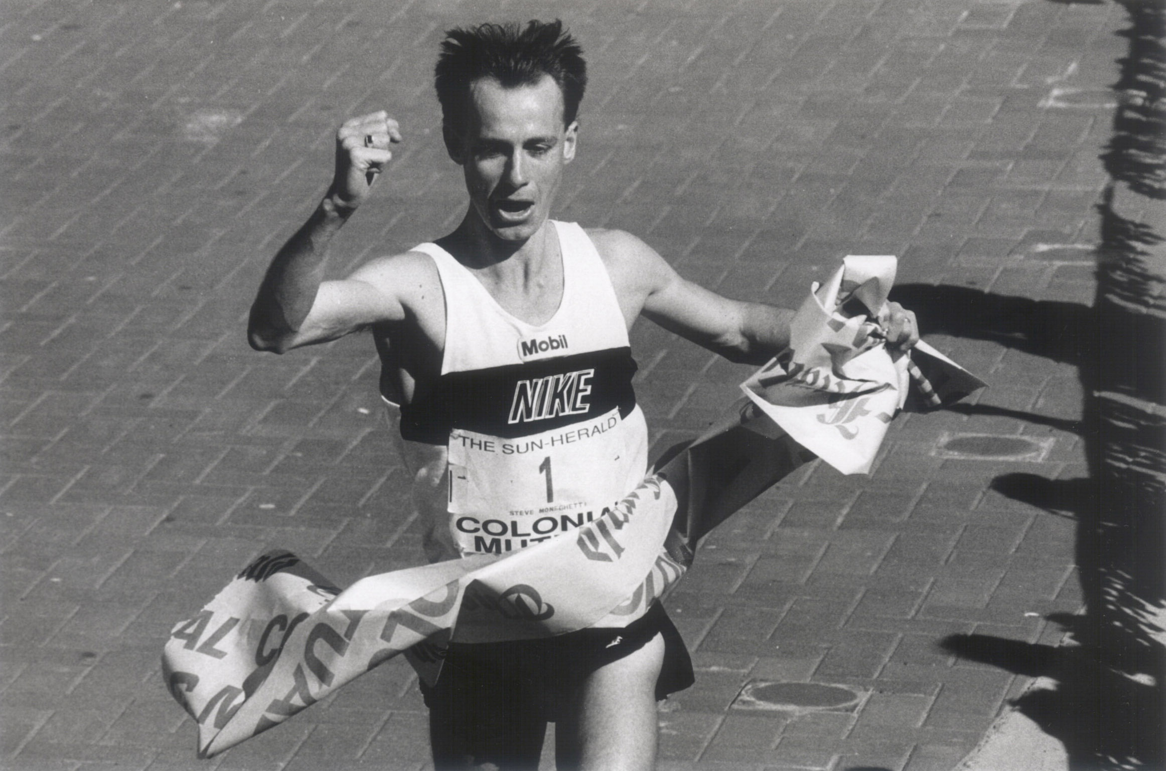 Steve Moneghetti claiming his title in 1991