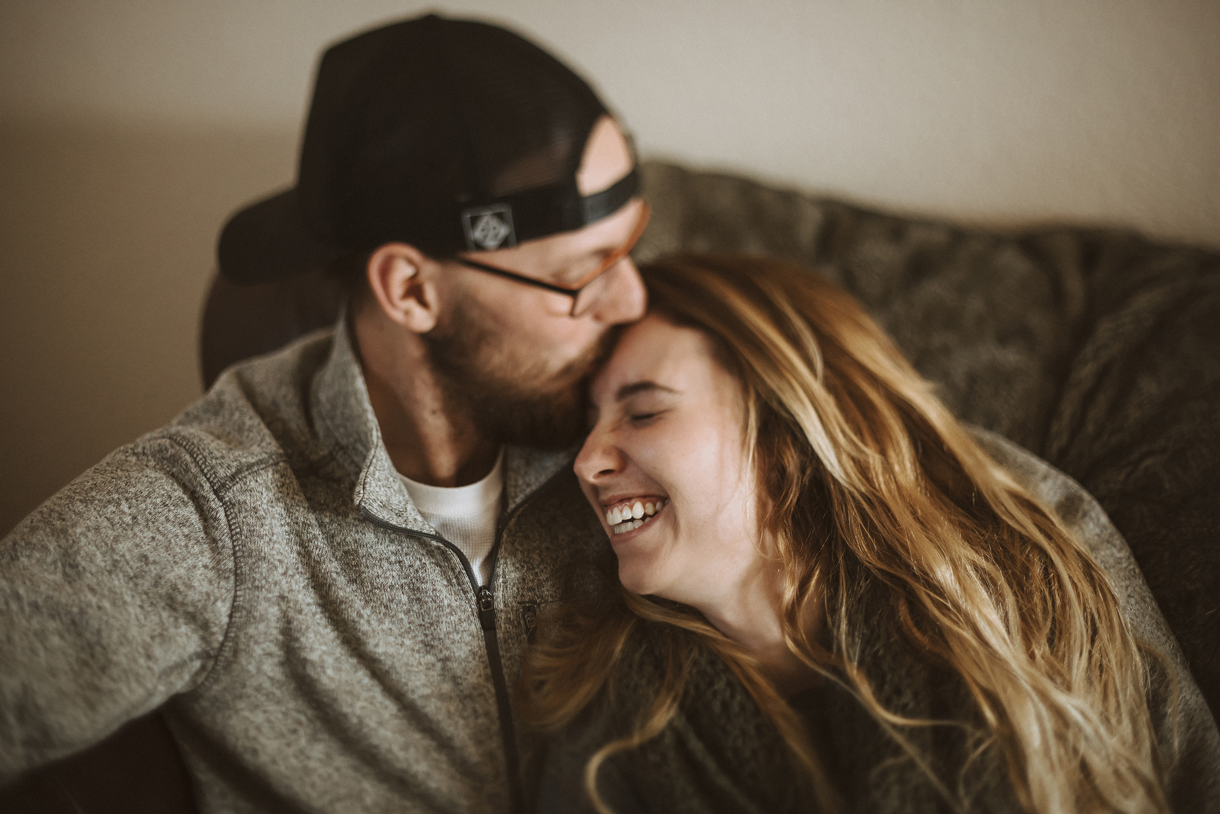 Fishers-Indiana-In-Home-Lifestyle-Couples-Portrait-Photographer