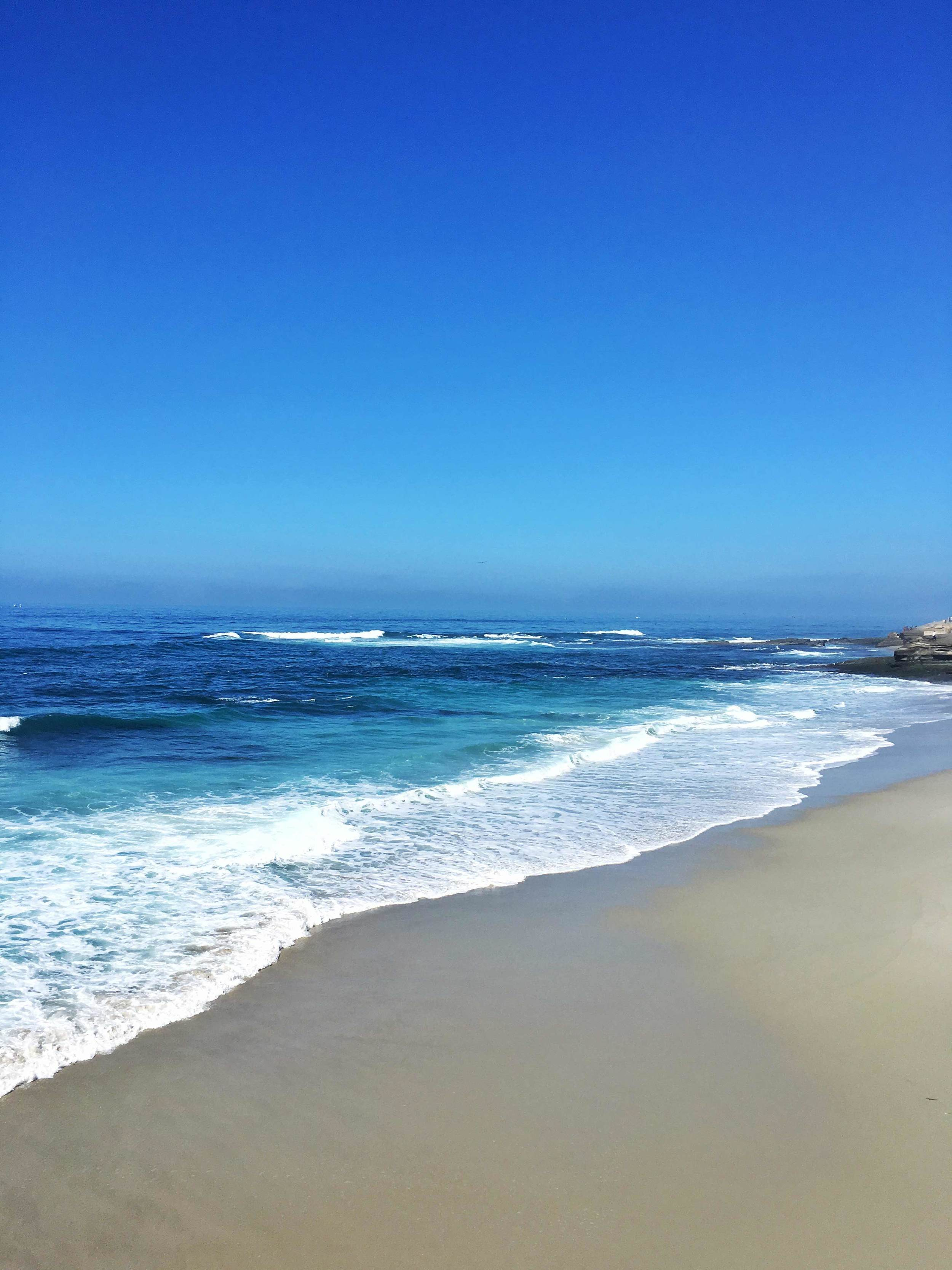 The turquoise-blue waters of La Jolla