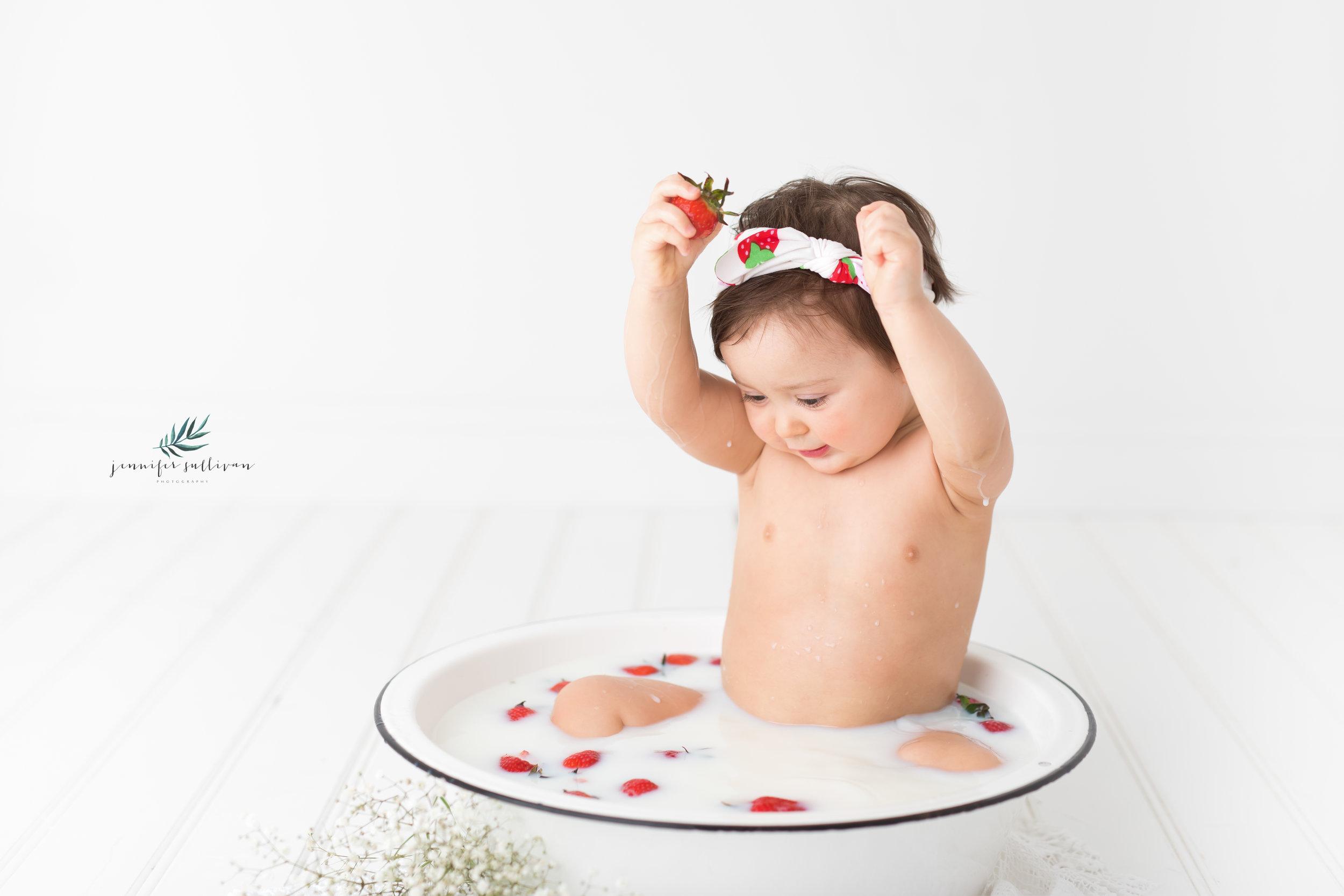 DARTMOUTH PHOTOGRAPHER CAKE-400-10.jpg