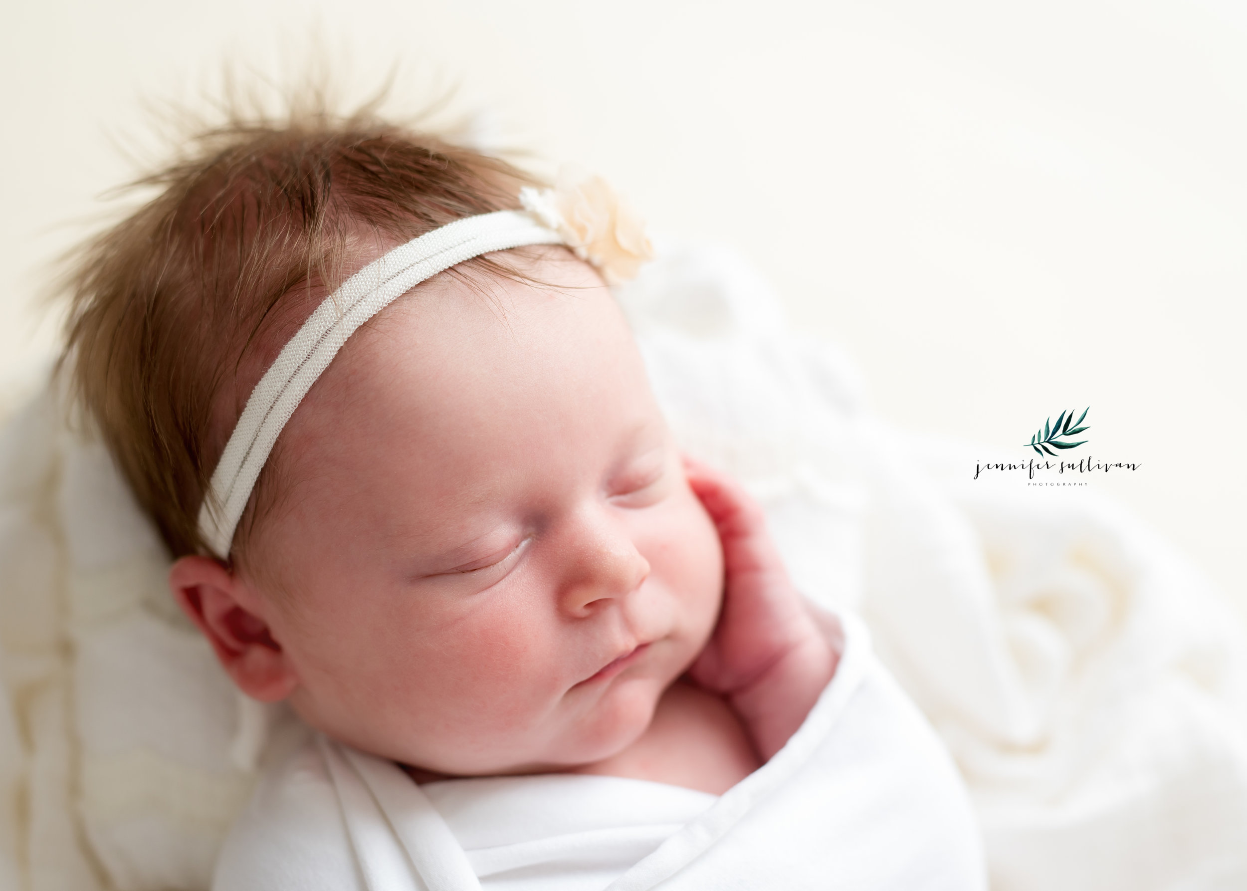 DARTMOUTH  newborn  PHOTOGRAPHER-400-9.jpg