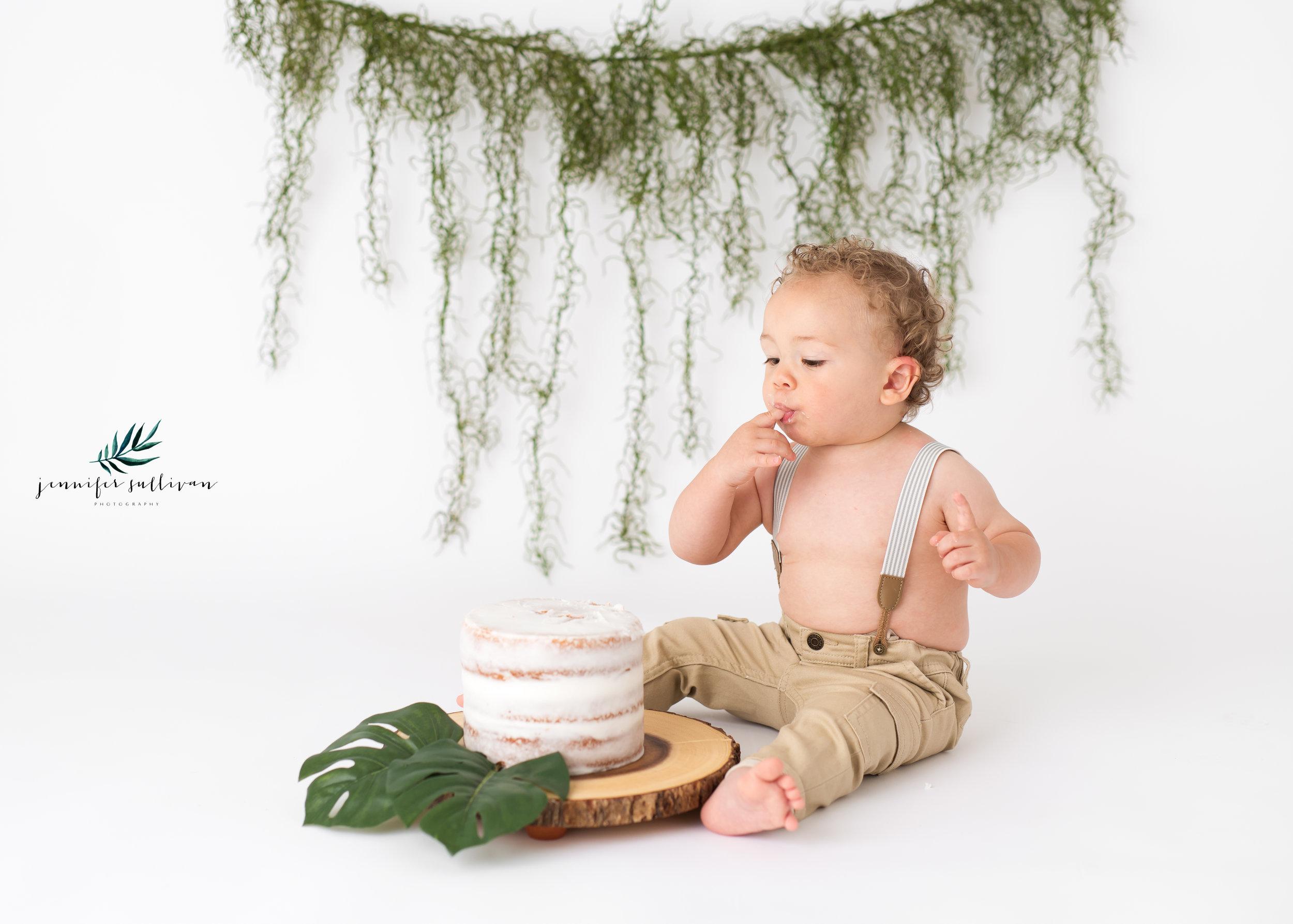 DARTMOUTH  BABY cakesmash PHOTOGRAPHER-400-6.jpg