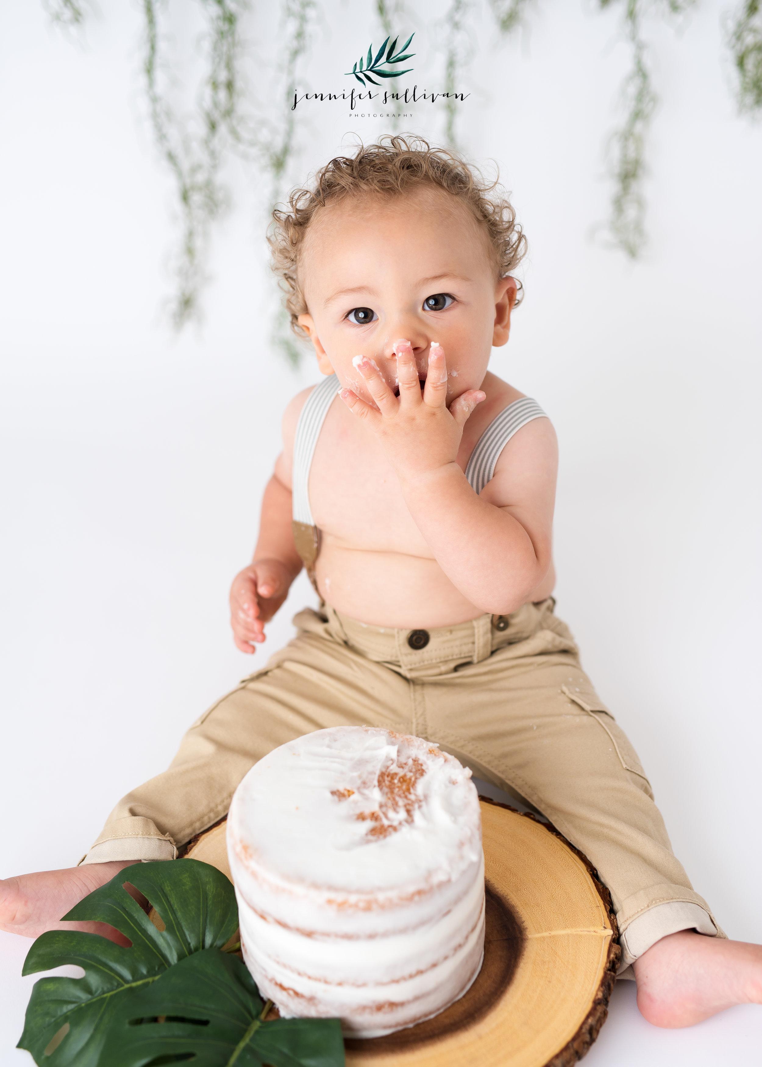 DARTMOUTH  BABY cakesmash PHOTOGRAPHER-400-7.jpg