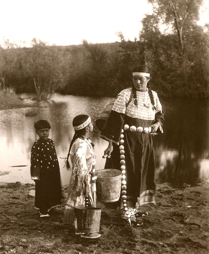 Sioux Woman with Children, 1900, photo by John Alvin Anderson