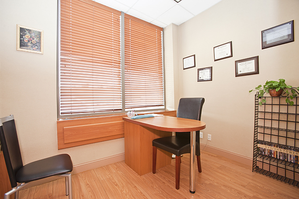 Riverside_Boulevard_194_Office_1_.jpg