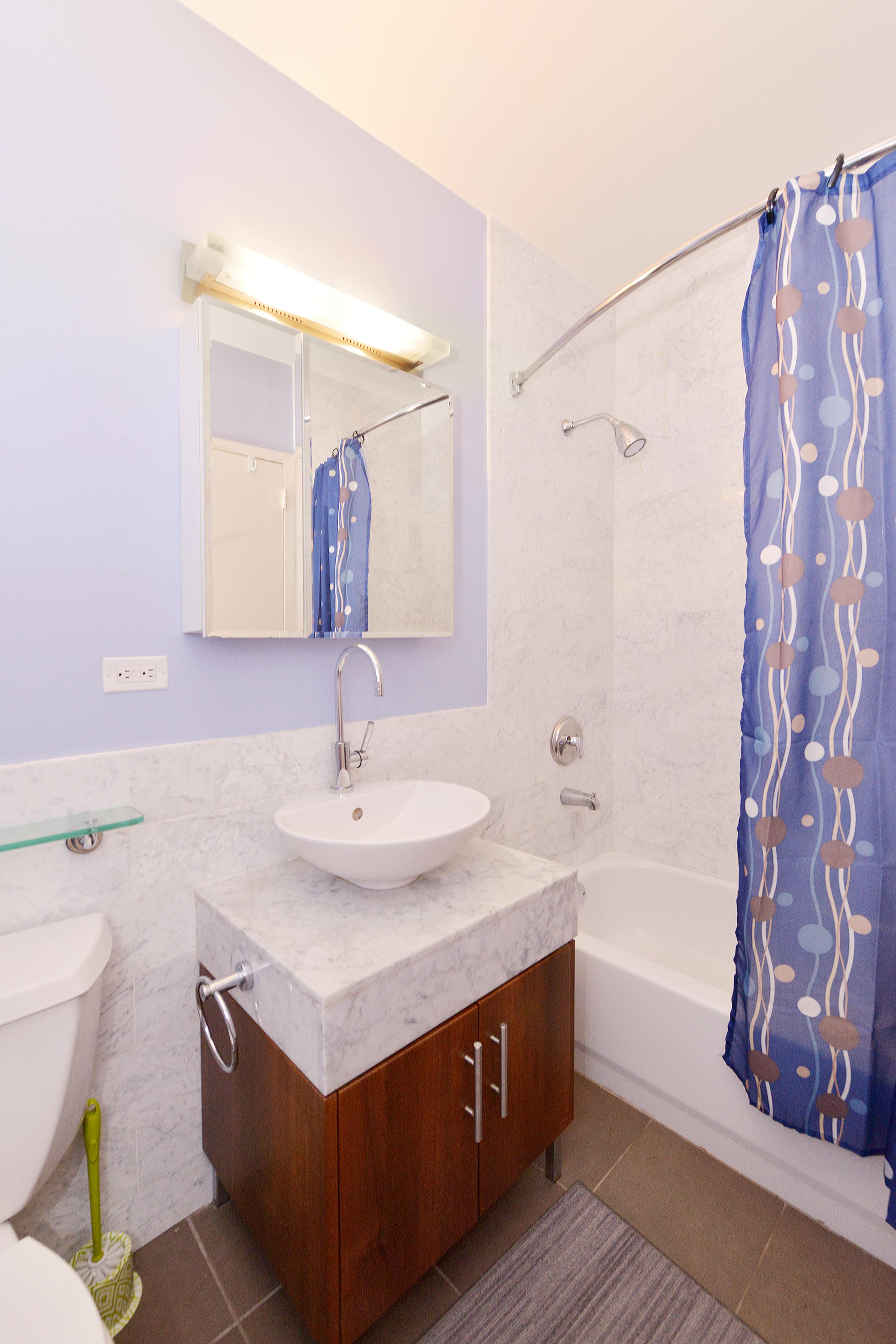 Wall_Street_Court_1_608_Studio_Bathroom_.JPG
