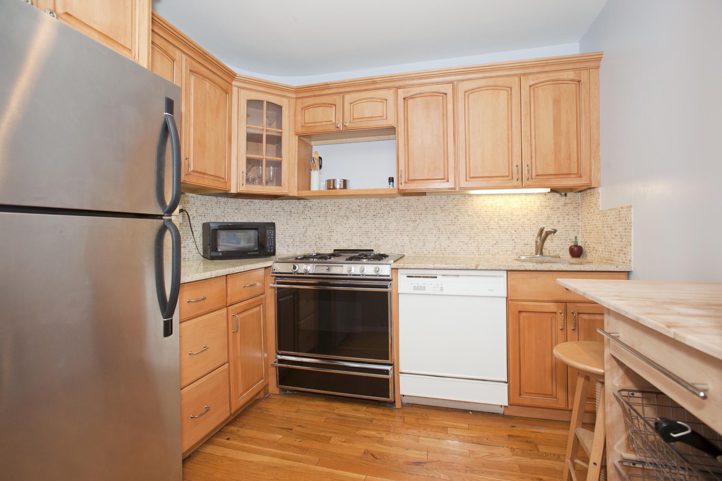 250West 88_503_Kitchen.jpg