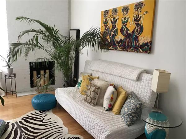 130 E 29, Living Room.jpg