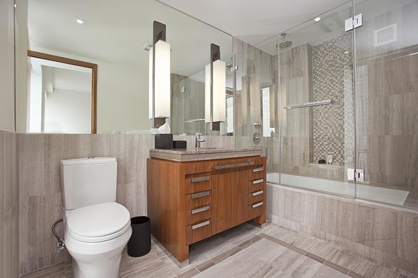 400 Fifth Ave - Bathroom.jpg