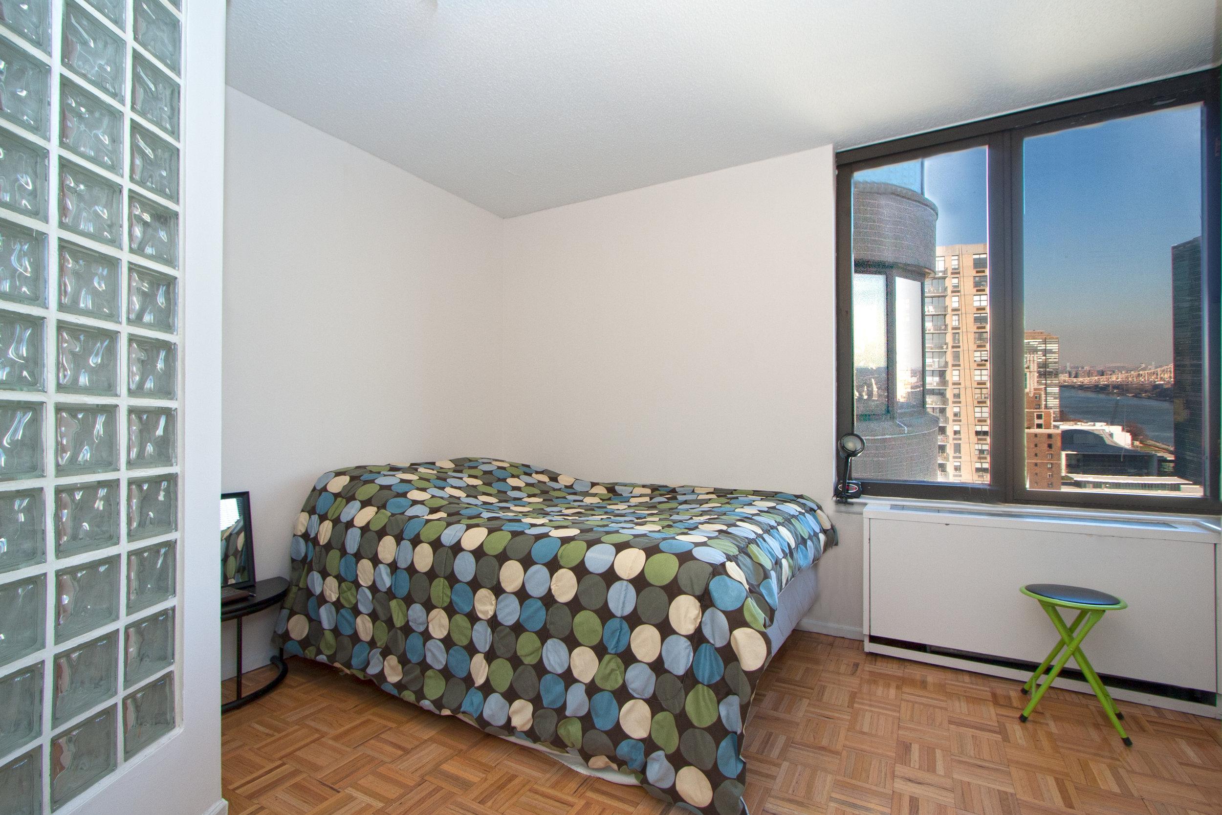 East_38th_Street_330_38M_Bedroom_.jpg