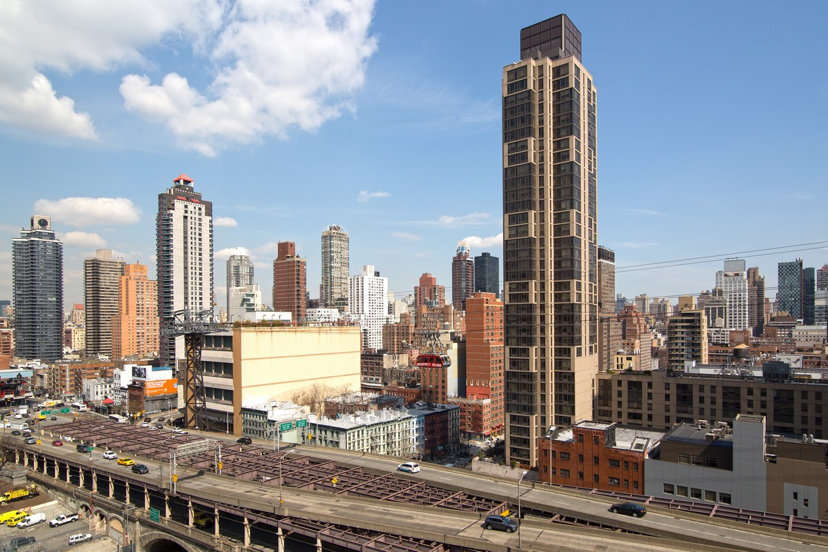 East_59th_Street_418_18A_View.jpg