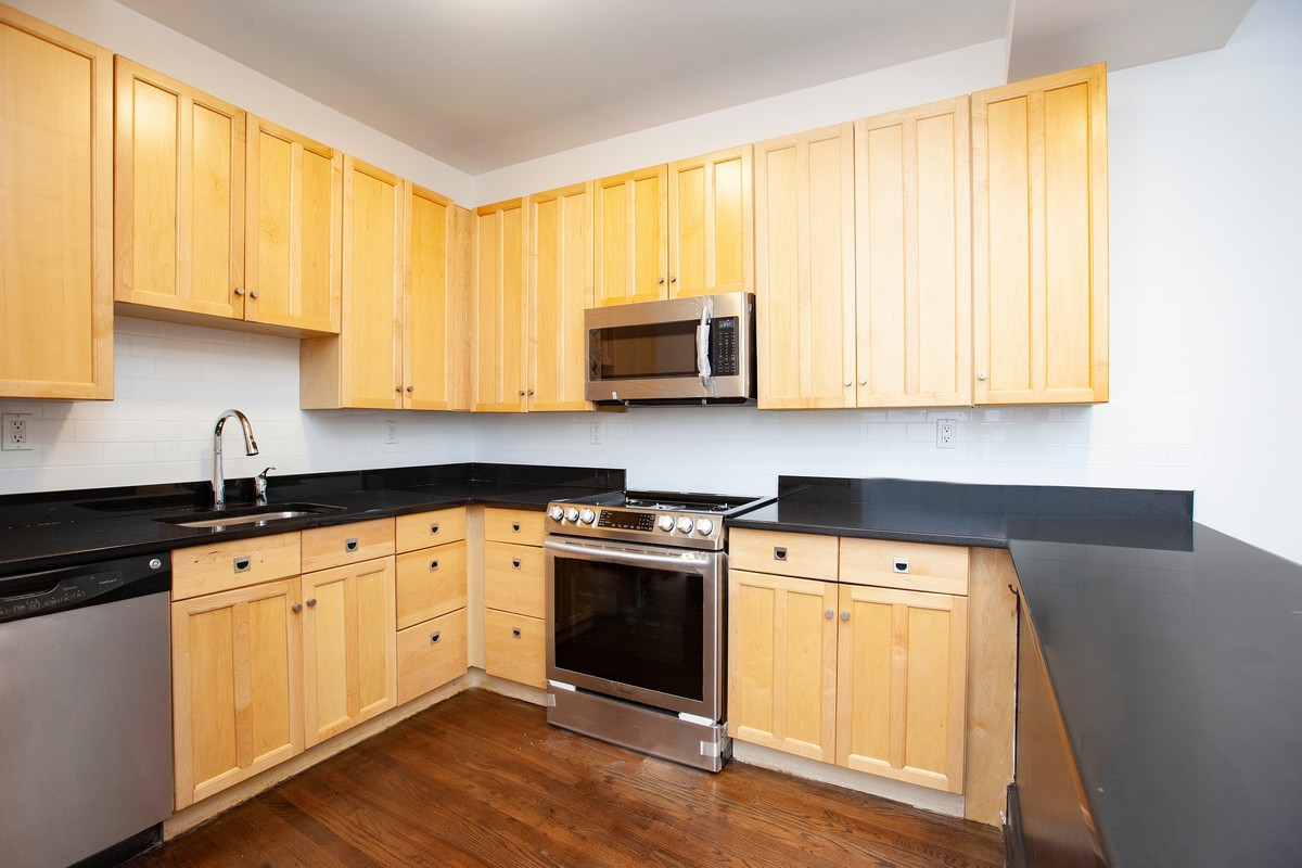South_William_Street_15-17_3B_Kitchen_.jpg