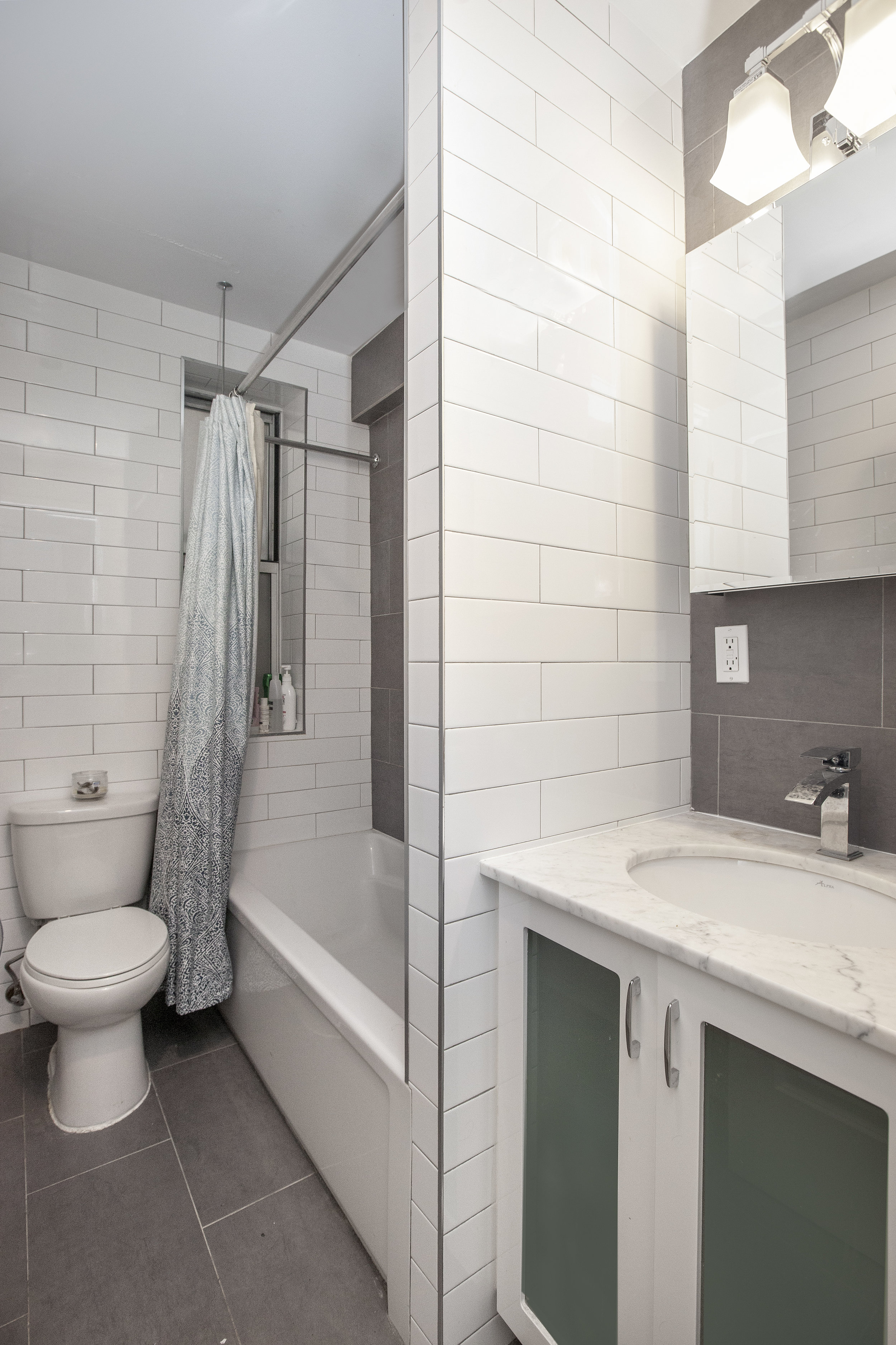Riverside_Drive_West_156-08_1A_Bathroom.jpg