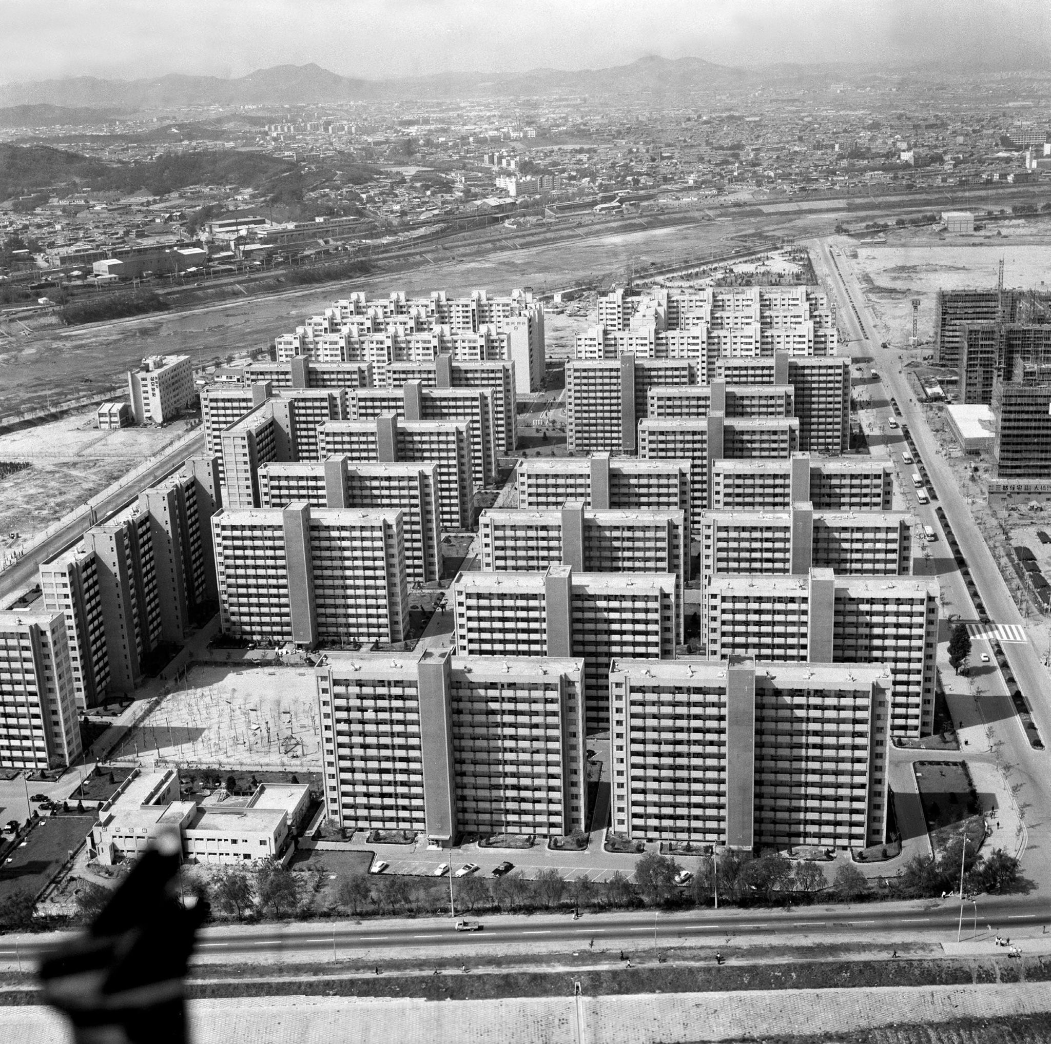 Yeouido, Seoul (1975)    Photo Credit: BR3 Project