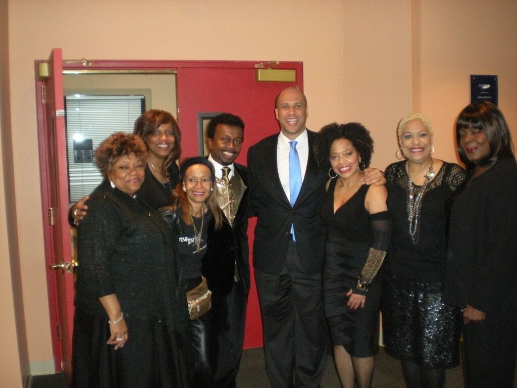 Aretha backing singers at NJPAC with Mayor Cory Booker