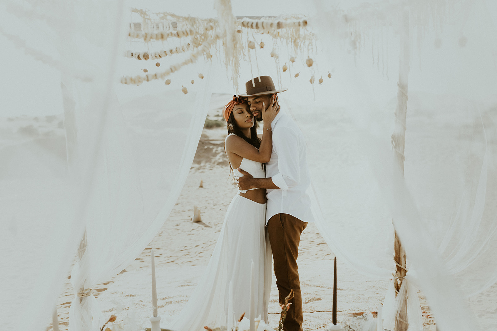 dominique + ronye - this sahara desert elopement inspiration is romantic moroccan wanderlust wedding goals