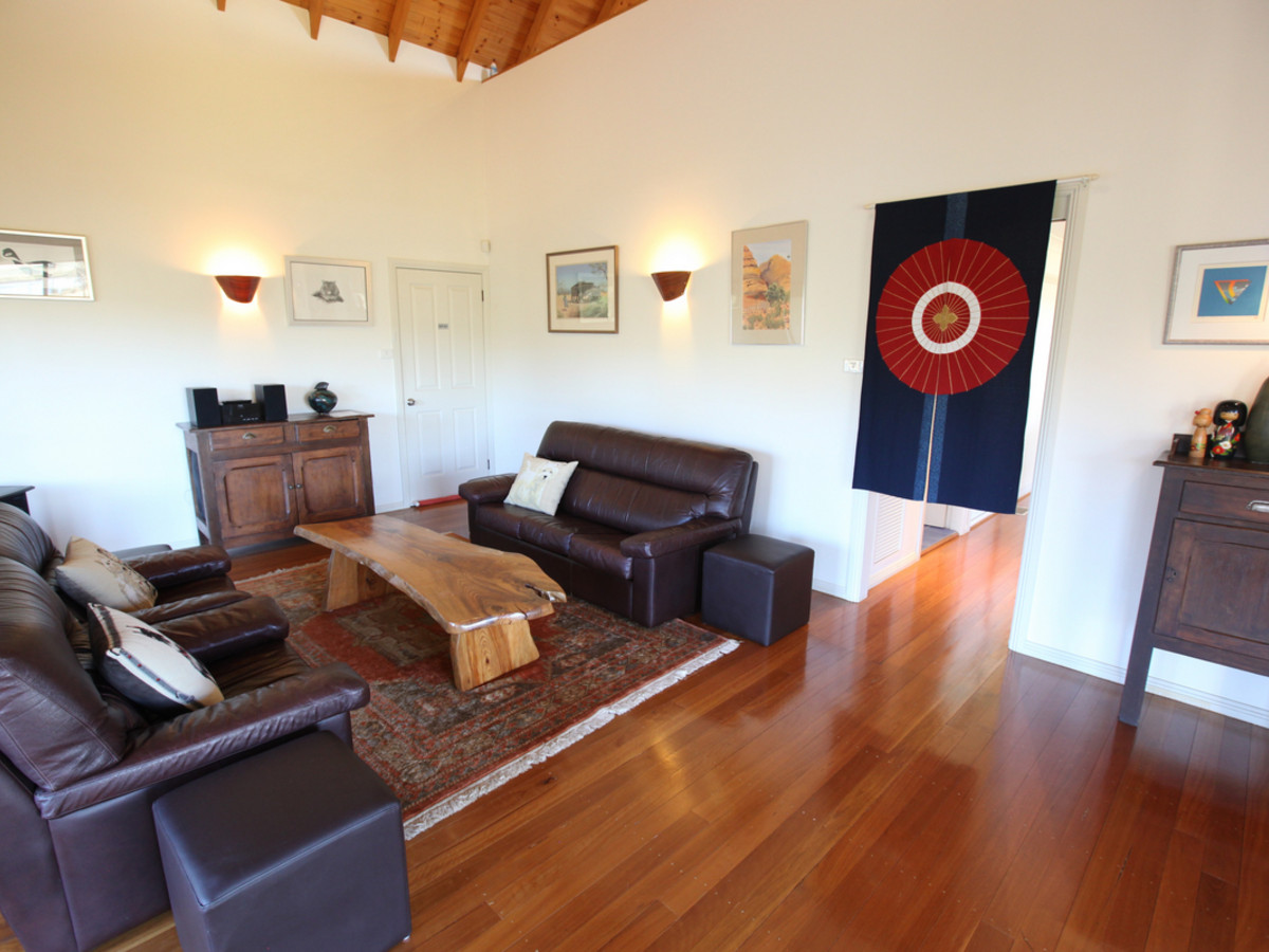 TheArtist-Cottage-Lounge.jpg