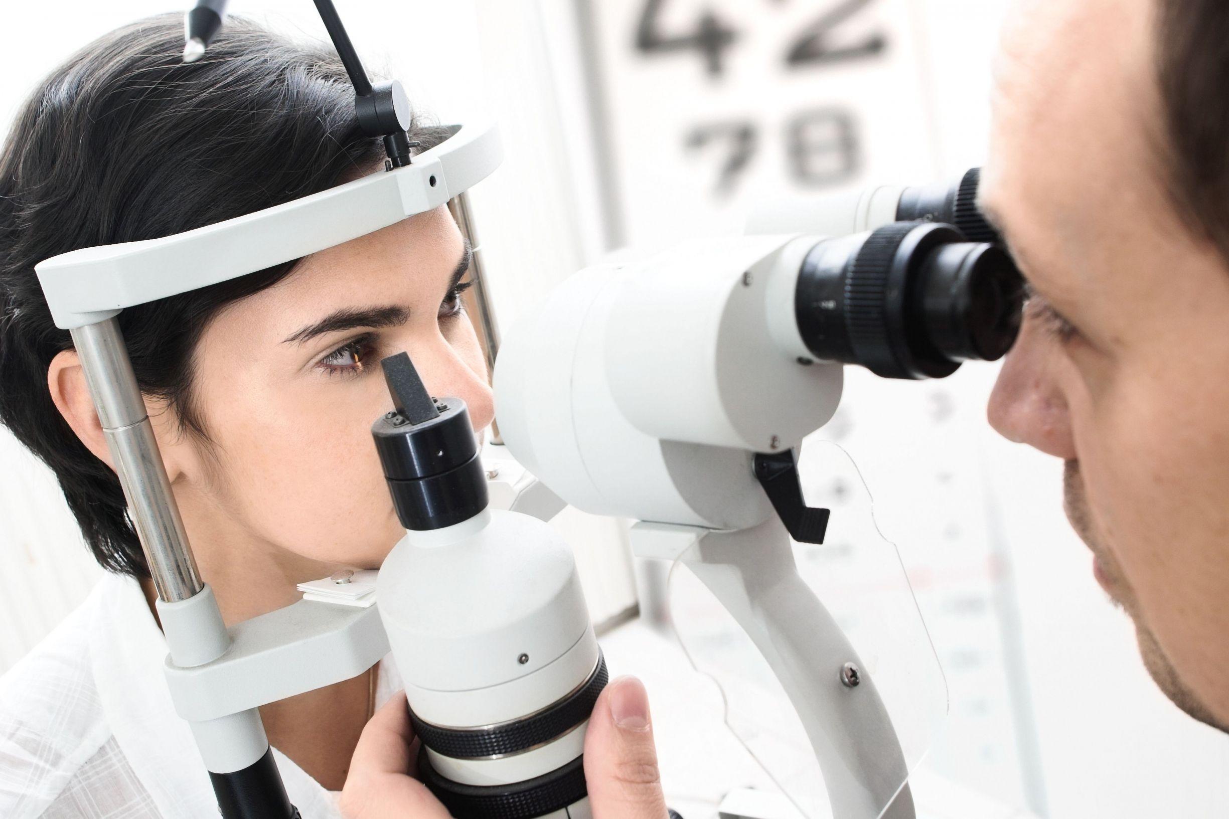 how to become an optometrist.jpg
