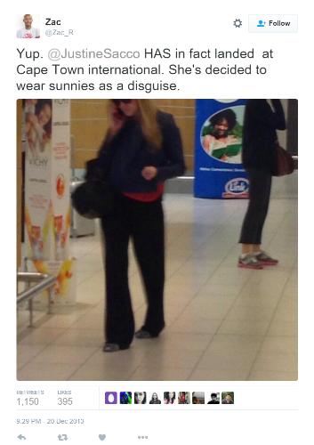 Etter at hashtaggen #hasJustinelandedyet ble et toppemne påTwitter dro en bruker til flyplassen for å ta bilde av henne i ankomsthallen. Faksimile fra  Twitter .